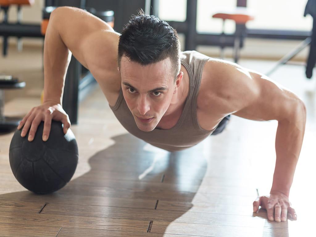 برای کاهش تعریق ناشی از استرس، ورزش کنید.