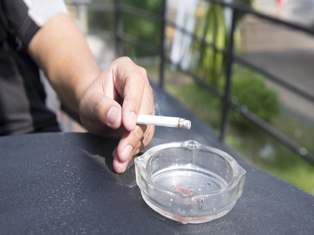 مصرف دخانیات و تأثیر آن بر تعریق زیاد بدن