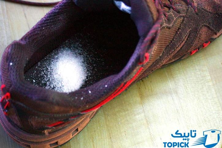 از بین بردن بوی کفش با نمک