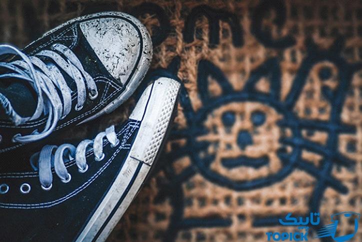پوشیدن کفش کثیف