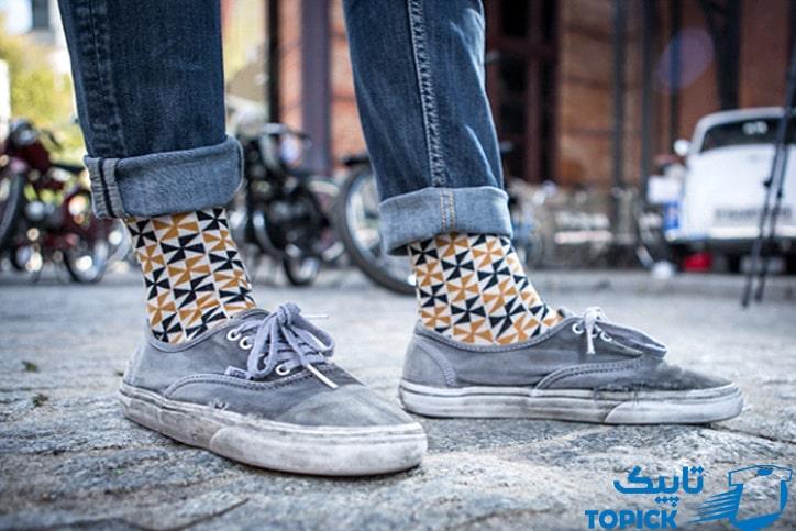 پوشیدن جورابهای ساق بلند